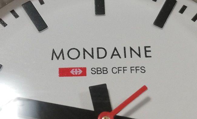 モンディーン「エヴォA658.30300.11SBB」文字盤アップ